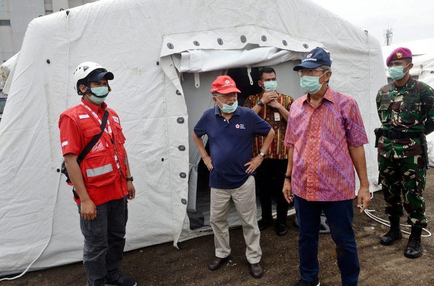 Jusuf Kalla Tinjau Pelatihan Penggunaan APD Relawan PMI untuk Corona