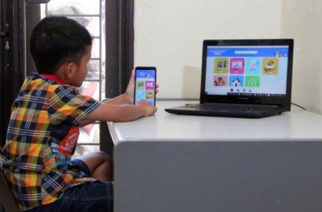 Seorang anak belajar dalam jaringan (daring). (Foto : Antara)