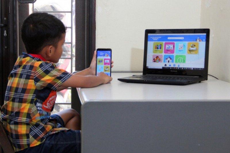 Kreativitas Pengajar dan Orangtua Jadi Kunci Belajar Daring di Rumah