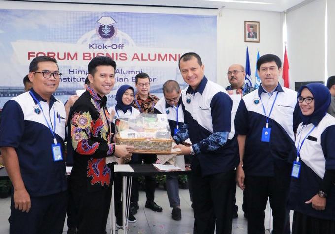 Emil Dardak Ajak HA IPB Majukan Sektor Agroindustri di Jawa Timur