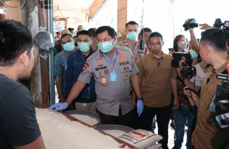 Kapolda Metro Jaya Sidak Operasi Pasar Gula Pasir di Pasar Palmerah Jakarta Barat
