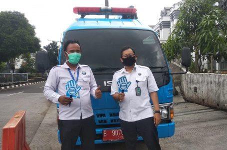 BNN Jaktim sosialiasi bahaya narkoba di Terminal Kampung Melayu dan Rawamangun, Selasa (14/4/2020). (Foto : Doni)