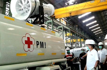 Ketum PMI Jusuf Kalla tinjau proses perakitan armada gunner milik PMI, PT Cidas, Kawasan Gunung Putri, Jawa Barat, Minggu, (5/4/2020).(Foto : Ist)