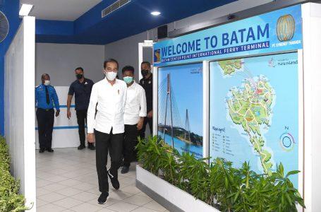 Kunjungan Presiden Jokowi ke RS Darurat di Pulau Galang, Batam, Rabu (1/4/2020). (Foto : Humas Kepresidenan)