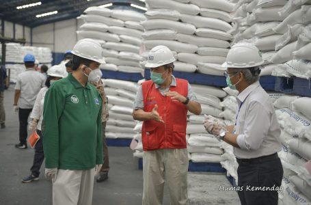 Kemendag melakukan peninjauan stok gula, di Provinsi Banten.(Foto : Humas Kemendag)