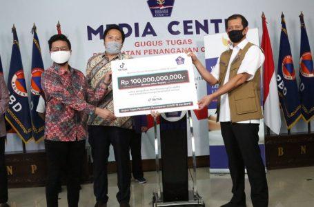 TikToker sumbang Rp100 Miliar untuk pahlawan medis yang gugur. (Foto:Humas BNPB)
