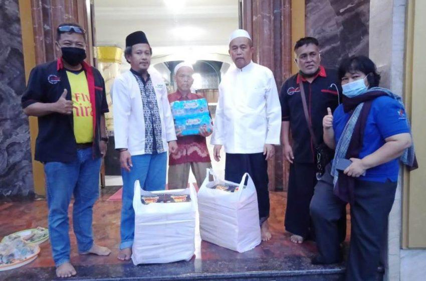 PT. SMI Gandeng FORWAN Indonesia Bagikan Makanan Buka Puasa Di Daerah Kebagusan Jakarta Selatan