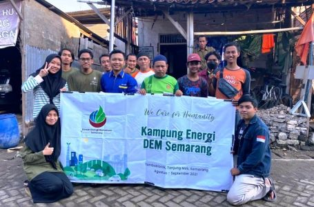 Peduli Energi DEM Semarang Persembahkan Kampung Energi