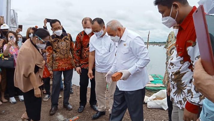 Gubernur Kaltim Resmikan Proyek Pembangunan Tangki Timbun dan Terminal BBM di Kaltim dan Lakukan Peletakan Batu Pertama